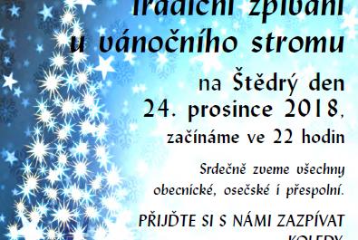 Tradiční zpívání u vánočního stromu na Štědrý den
